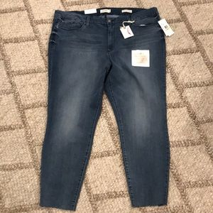 Jessica Simpson Adored High Rise Ankle Jeans K449